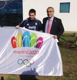 """Messi da un golpe de efecto: """"Estoy con Madrid 2020"""""""