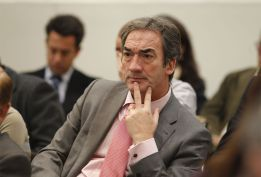 Javier Lozano dimite, de manera oficial, como presidente