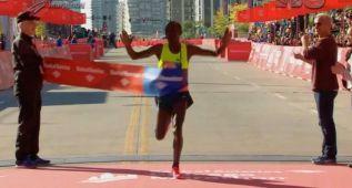 Kipchoge ganó en Chicago y Bekele no aguantó el ritmo