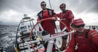 El 'Mapfre' cruza el Ecuador en quinta posición de la flota