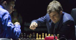 Anand recupera la desventaja que llevaba frente a Carlsen