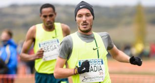 Toni Abadía: la potencia maña entre corredores africanos