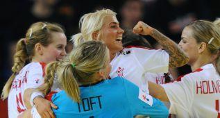 España sigue con opciones al ganar Dinamarca a Hungría