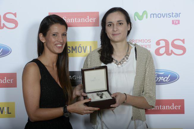TAG Heuer regaló uno de sus relojes a Ángela Salva 1418683960_817578_1418684023_noticia_normal