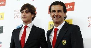 De la Rosa entregó la 'Beca Santander' a Javier Cobián