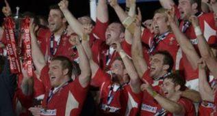 Gales 'ficha' a Anscombe y Cotter se olvida de Kelly Brown