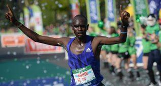 Korir gana en París con la 2ª marca del año (2h 05:49)
