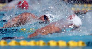 Phelps pasa a las finales de los 200 estilos y los 100 libre