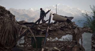 Nepal sopesa cancelar las ascensiones al Everest este año