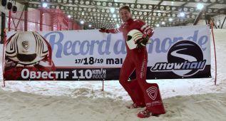 Jan Farrell bate el récord del mundo indoor a 104,956 km/h