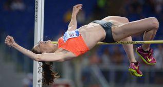 Ruth Beitia salta 2,00 en Roma: victoria y líder mundial del año