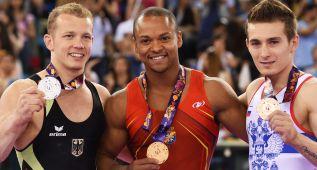 Ray Zapata, oro en gimnasia; las chicas de waterpolo, plata