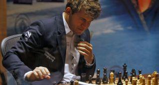 Magnus Carlsen mantiene el número uno del ránking