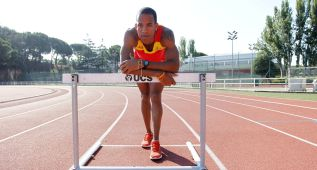 Yidiel Contreras hace mínima en 110 mv y acaricia el récord