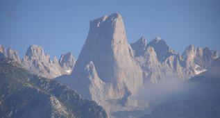 Muere un montañero de Madrid en los Picos de Europa