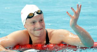 Katie Ledecky, la reina del libre bate el récord mundial de 1.500