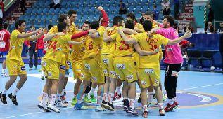España vence a Dinamarca y luchará por las medallas