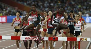 La keniana Jepkemoi se impone en un emocionante sprint