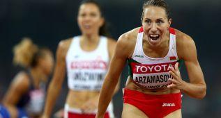 La bielorrusa Arzamasova bate a Sum con un fuerte 'hachazo'