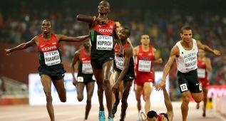 Asbel Kiprop maneja la táctica y gana su tercer oro en 1.500