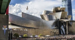 Hunt cierra un año redondo y Paredes quiere reinar en Bilbao