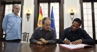 Sotomayor firma la nacionalidad española