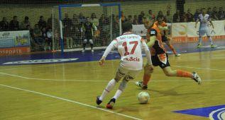 ElPozo pone pie y medio en la final tras golear 1-8 al Ribera