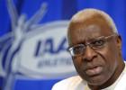 Diack renuncia a su cargo de miembro de honor del COI