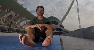 Todo un gran reto: Kike García correrá descalzo la maratón
