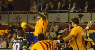 El Barça no pasa apuros ante el Cangas y se mete en la final