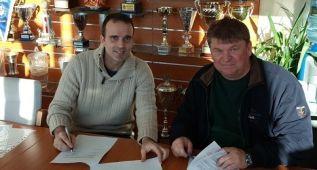 Javier Sabaté se gana dos años de contrato en el Veszprem