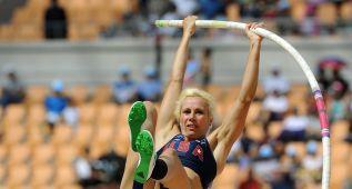 Jennifer Suhr bate el récord mundial de pértiga con 5,03