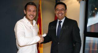 Víctor Tomás renueva con el Barcelona hasta el año 2020