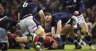 Gales se rehace ante una intensa Escocia y apunta al título