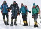 Alex Txikon hace historia y corona el Nanga en invierno