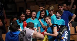 Carolina Marín, Bea Corrales y Abián, a los cuartos de final
