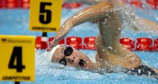 Mireia y Melani nadan de la mano a la final de los 400 libre