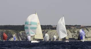 El Campeonato de Bizkaia reúne a 40 cruceros en el Cantábrico