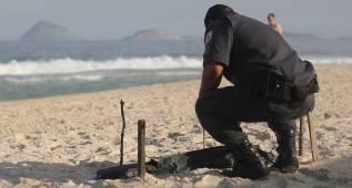 Aparece un cuerpo mutilado en la sede del voley playa