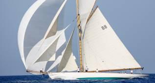 Los veleros con más historia compiten en Barcelona