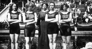 Escándalo sexual: bañadores 'obscenos' , faldas cortas...