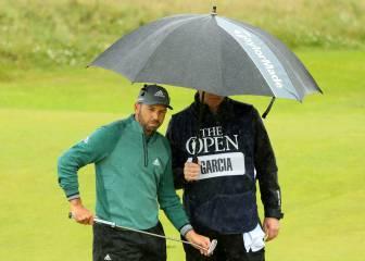 Sergio García ya es sexto y Mickelson aguanta en la lluvia