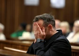 Pistorius, hospitalizado por herirse las muñecas con cuchillas