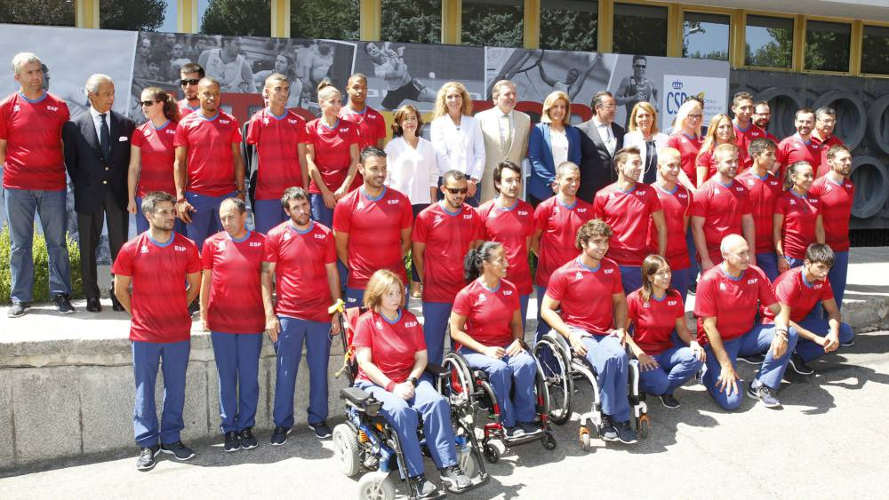 Multitudinaria despedida a los Paralímpicos rumbo a Río