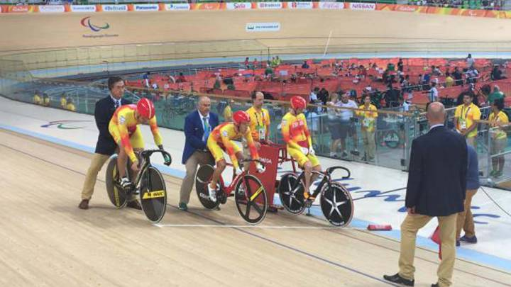 España , bronce por equipos en los 750 metros de velocidad