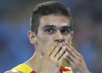 Hortelano ya está en Barcelona para curar su mano derecha
