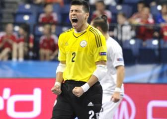 El portero-jugador Higuita amenaza a España en octavos