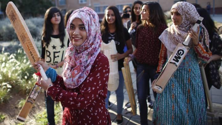 12 musulmanas crean el primer equipo femenino de España