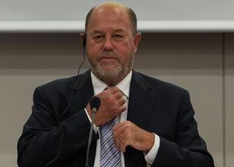Antonio Espinós, seis años más al frente de la Internacional