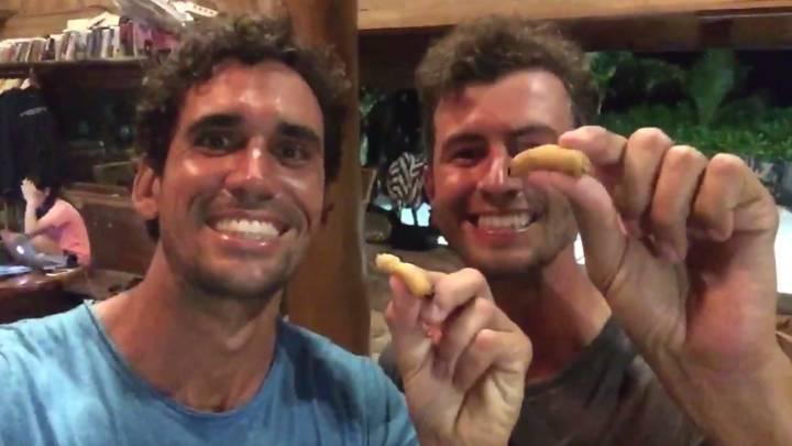 ¡Increíble! Rafa Cabrera Bello y Scott comen... ¡gusanos vivos!